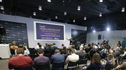 Palestras do primeiro iSummit de IA para o Varejo realizado na 14ª Eletrolar Show